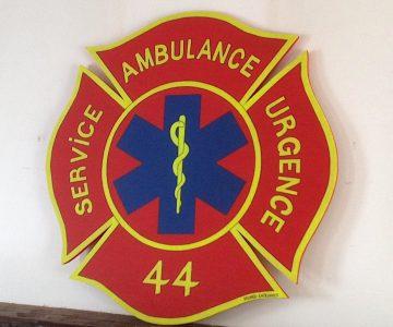 Enseigne bois Ambulance Service Urgence Nantes