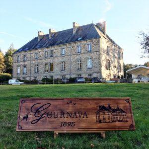 Enseigne en bois Château Gournava par Naoned Enseignes