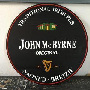 Enseigne bois Pub John Mc Byrne Nantes
