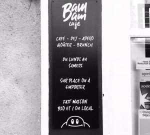 Panneau façade bam bam café