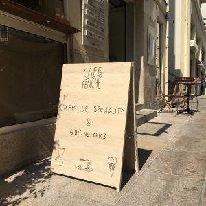 Panneau Stop trottoir bois Café Penché