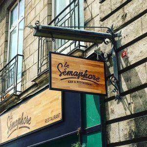 Enseigne bois Le Semaphore Nantes